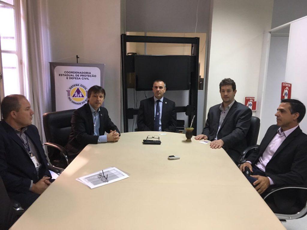 Reunião na Defesa Civil