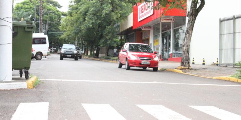 Avenida Ângelo Macalós terá duas novas lombadas para redução de velocidade